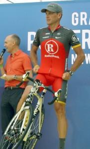 Lance_Armstrong_Tour_2010_team_presentation